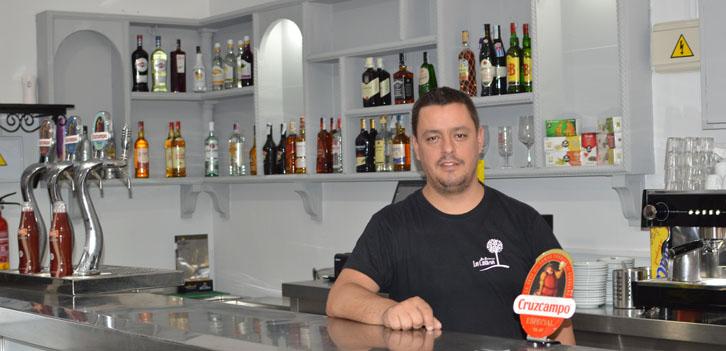 Los Castaños inaugura nuevo bar