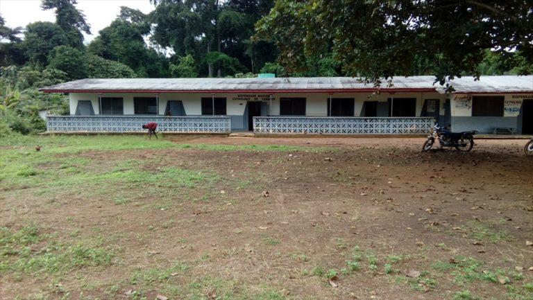 Dispensario de Yangben en Camerún